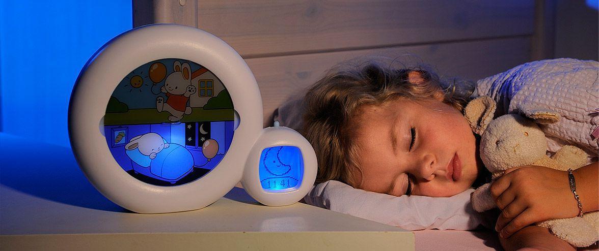 kind-te-vroeg-wakker-leren-uitslapen-kidsleep-slaaptrainer
